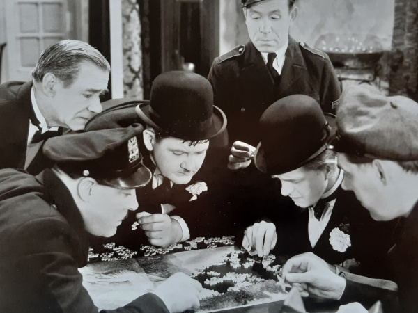Laurel & Hardy Me and My Pal Jigsaws are Addictive Scene from the film Me and My Pal